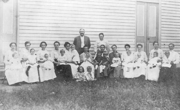 1914 – Austin Christian Church baby outing